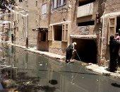 صور... منطقة الجمهورية بالمحلة تغرق فى مياه الصرف الصحى
