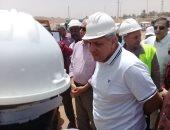محلب يتفقد مشروعات قرى الظهير الصحراوى بنصر النوبة - صور