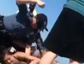 شرطة أمريكا تحقق فى واقعة التعدى بالضرب على فتاة خلال اعتقالها بنيوجيرسى