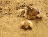 صور..قارئة تشكو تعدى بعض الأشخاص على مقابر كفر الفاروق بعين شمس الشرقية