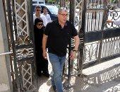 صور.. شوبير وغالى وعبد الصادق أول الحاضرين فى جنازة نجل محمد فضل