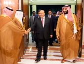 صور.. محمد بن سلمان يلتقى الرئيس اليمنى فى مدينة جدة السعودية