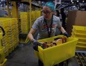 """نقابة عمال بريطانية: أمازون تعامل موظفيها مثل """"الروبوتات"""""""
