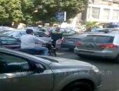 ملابس عمال النظافة.. رخصة للتسول فى شوارع القاهرة الكبرى.. فيديو
