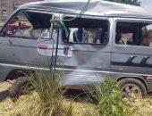 صور.. انتشال سيارة من ترعة الإسماعيلية بالشرقية والإنقاذ يبحث عن الركاب