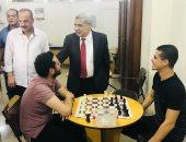 صور.. نائب رئيس جامعة طنطا يتفقد دورة الشطرنج الرمضانية