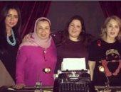 """رانيا يوسف تعلق على صورتها مع الشقيقتين نورا وبوسى: """"بحبكم أوى"""""""