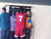 قارئ يشكو الزحام الدائم بقطار أبو قير فى الإسكندرية