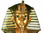 العالم يترقب.. هل سيتم نقل قناع توت عنخ آمون للمتحف الكبير فى موكب ملكى؟