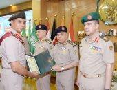 وزير الدفاع يشهد تخريج دورات جديدة من دارسى أكاديمية ناصر العسكرية العليا