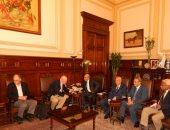 وزير الزراعة يبحث مع تحالف الجامعات الأمريكية إنشاء مركز تميز علمى