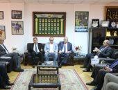 صور.. وزير الرياضة يجتمع مع رؤساء الاتحادات الرياضية باللجنة الأوليمبية