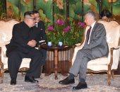صور.. زعيم كوريا الشمالية يلتقى رئيس وزراء سنغافورة على هامش القمة مع ترامب