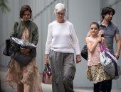 كاتى هولمز تقضى يوما ممتعا مع والداتها وابنتها سورى كروز فى نيويورك