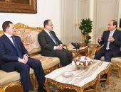 السيسي يشيد بجهود وزير الداخلية السابق في تعزيز الأمن والاستقرار
