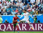 أشرف حكيمى يدخل التاريخ بعد المشاركة مع المغرب أمام إيران
