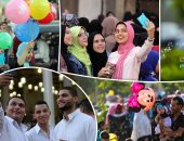 السيلفى وتوزيع البلالين أبرز احتفالات المواطنين بعد صلاة العيد