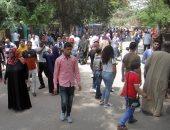 صور وفيديو.. طوابير أمام حديقة الحيوانات بالجيزة فى ثانى أيام عيد الفطر