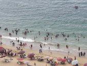"""""""السياحة والمصايف"""" بالإسكندرية: نسبة إشغالات الشواطئ 65% فى ثانى أيام العيد"""