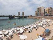 صور.. إقبال كبير على شواطئ الإسكندرية فى ثالث أيام عيد الفطر