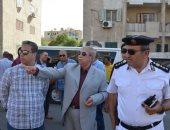 صور.. محافظ الإسماعيلية يتابع التزام سائقى الأجرة بتعريفة نقل الركاب