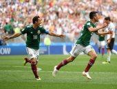 كأس العالم 2018.. تشيتشاريتو يضيف هدف المكسيك الثانى أمام كوريا الجنوبية