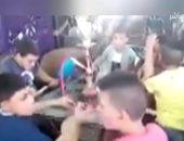 """فيديو على التواصل الاجتماعى لأطفال يدخنون الـ""""الشيشة"""" بمقهى فى الصعيد"""