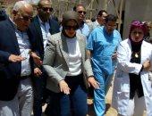 صور.. وزيرة الصحة تتفقد مستشفى بورسعيد العام