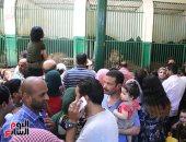 إقبال كبير من المواطنين على حديقة حيوان الجيزة