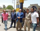 مدير أمن المنيا يتفقد محطات الوقود والمواقف للتأكد من انتظام حركة النقل
