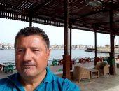 صور.. الحوثيون يحتجزون بحارا فرنسيا مع قاربه بميناء الحديدة