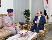 الرئيس السيسي يستقبل الفريق محمد زكى وزير الدفاع