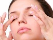 عيطى براحتك.. 7 طرق لعلاج انتفاخ العين بعد البكاء
