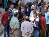 صور.. أحياء الإسكندرية تواصل جولات المراقبة على مواقف السيارات