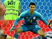 شاهد.. والد محمد الشناوى يتوقع نتيجة مباراة الأهلى أمام الترجى