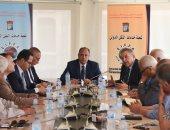 محافظ الإسكندرية يناقش تقليل تأثير ارتفاع سعر المحروقات على المواطنين