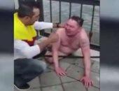 فيديو.. مشجع كولومبى ينقذ مواطنا روسيا من الغرق فى قازان