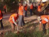 رئيس مركز الخارجة يقود مبادرة لنظافة أحياء المدينة برفع القمامة والمخلفات