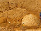 صور.. أشكال رملية لشخصيات ديزنى وبيكسار ومارفل على شاطئ بلجيكى