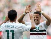"""المكسيك تحقق الفوز الثانى على التوالى فى كأس العالم أمام كوريا الجنوبية.. """"ترى كولور"""" يحسم تأهله بالعلامة الكاملة فى أول جولتين ويشعل الصراع فى مجموعة ألمانيا.. وتشيتشاريتو  """"الأفضل فى المباراة"""" يصنع التاريخ"""