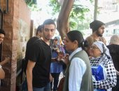 توافد طلاب الثانوية العامة على لجان امتحان اللغة العربية (دور ثانى)