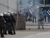 صور.. تجدد الاشتباكات بين الشرطة اليونانية ورافضين لاسم مقدونيا فى أثينا
