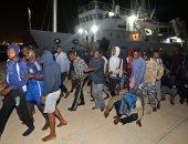 إيطاليا تفرض شروطا لتوافق على استقبال مهاجرين أنقذوا فى البحر