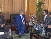 فيديو وصور.. محافظ الإسماعيلية يستعرض فرص الاستثمار بالمحافظة مع سفير كوريا الجنوبية