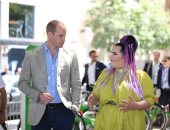 صور..الأمير وليام يلتقى بالفائزة بمسابقة الأغنية الأوروبية