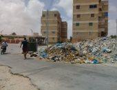 صور.. سكان منطقة محدودى الدخل بمطروح يعانون من تراكم القمامة