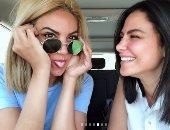 كيف استقبلت صبا مبارك شقيقتها بدون مكياج على السوشيال ميديا؟