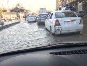 مياه القاهرة تدفع بـ10 سيارات لأعمال الشفط وتصلح كسر ماسورة بشارع بورسعيد
