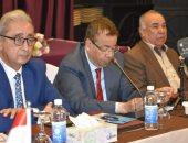 رئيس الكتاب العرب: الأدباء يقدمون النموذج الأمثل فى الوحدة
