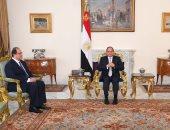 السيسي يوجه رئيس المخابرات العامة ونائبه ببذل مزيد من الجهد لحماية الأمن القومى